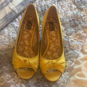 Mix No. 6 Shoes - Yellow Mix No. 6 yellow canvas cork wedges size 8